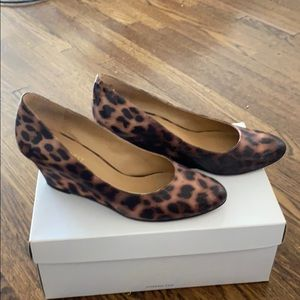 Nine West leopard low wedge heels